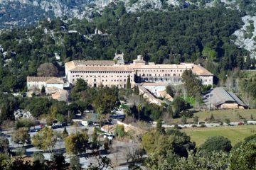 Komplettansicht des Kloster Lluc auf Mallorca